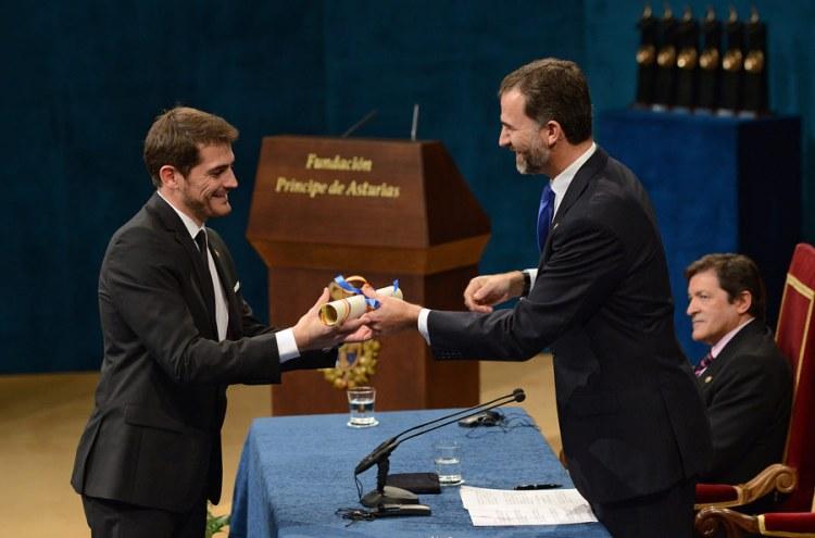 Iker Casillas Recogiendo el Premio Príncipes de Asturias al deporte 2012