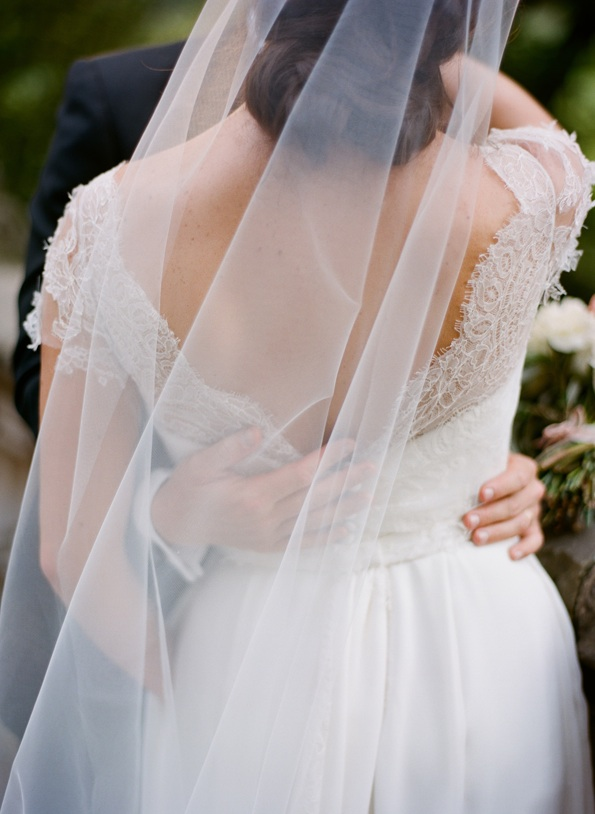 black-and-white-wedding-lace-wedding-dress-elegant-veil - boda