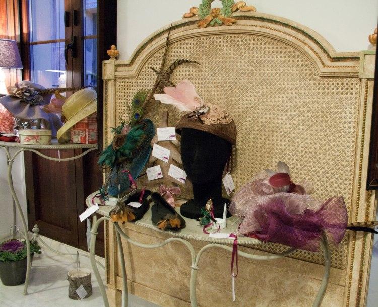 Os recordamos que además de lo expuesto, también se vende todo el mobiliario y exorno floral de #eltallerblanco. Os enseñamos algunas cositas...