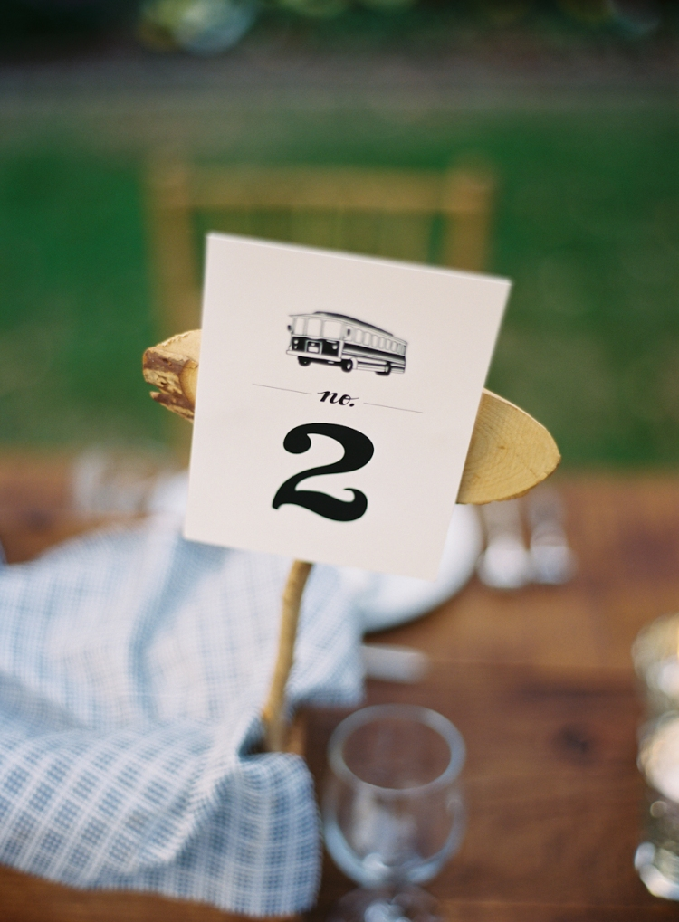 trolly-car-table-numbers-bread-basket-centerpieces