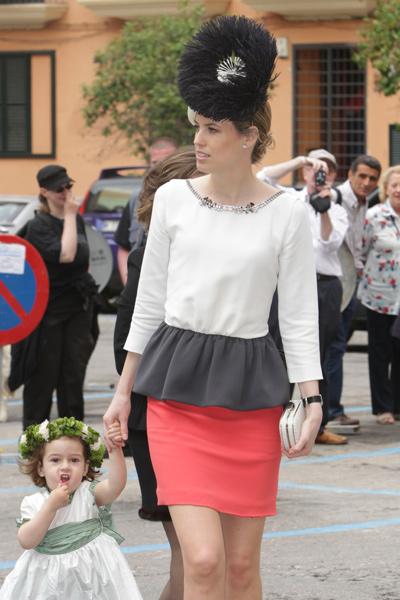 Vestido de corte peplum. Boda de Alfonso y Sabina