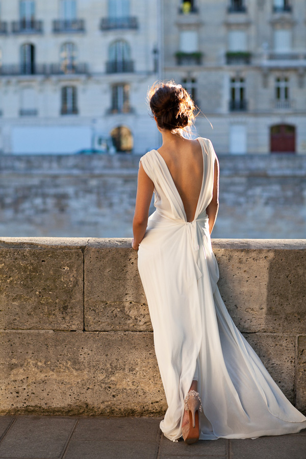 backless-chiffon-wedding-dress-elegant-backless-wedding-gown
