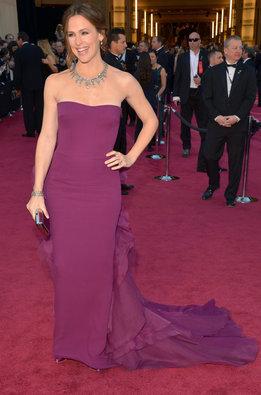 Jennifer Garner vestida de Gucci a su llegada a la alfombra roja de los Oscar 2013