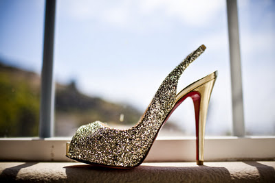 wedding-shoes-under-sunshine
