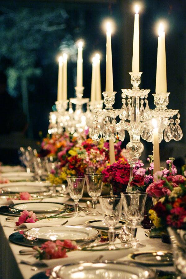 mesa puesta cena boda con candelabros cristal
