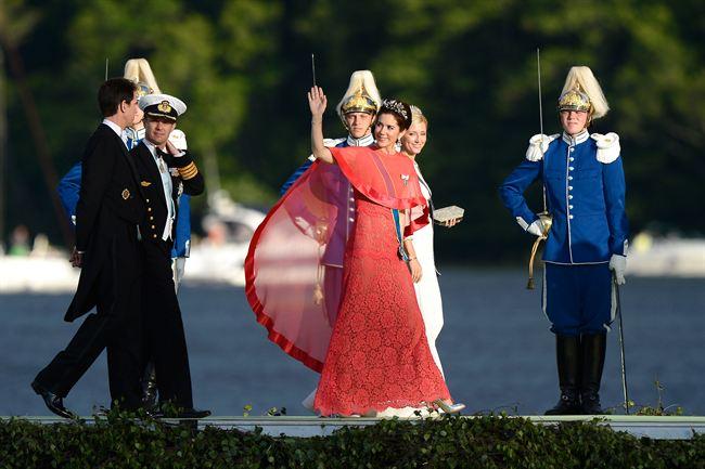 La Princesa María y el príncipe Federico llegan al barco