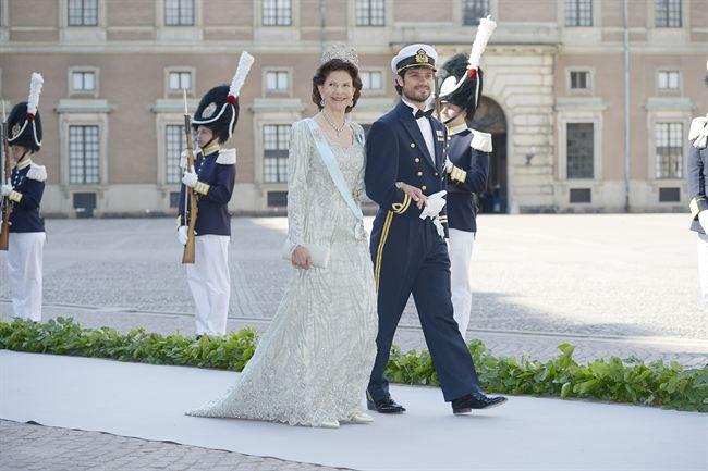 La reina de Suecia Silvia y su hijo Carlos Felipe