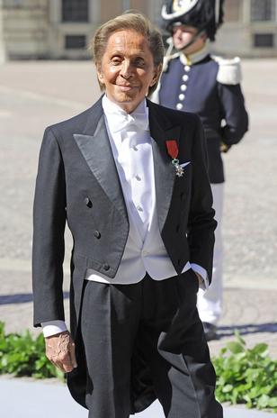 Valentino Garavani ha sido el responsable de vestir a la princesa Magdalena de Suecia. Así pues, aunque el diseñador está retirado, no puede negarse a este tipo de encargos.