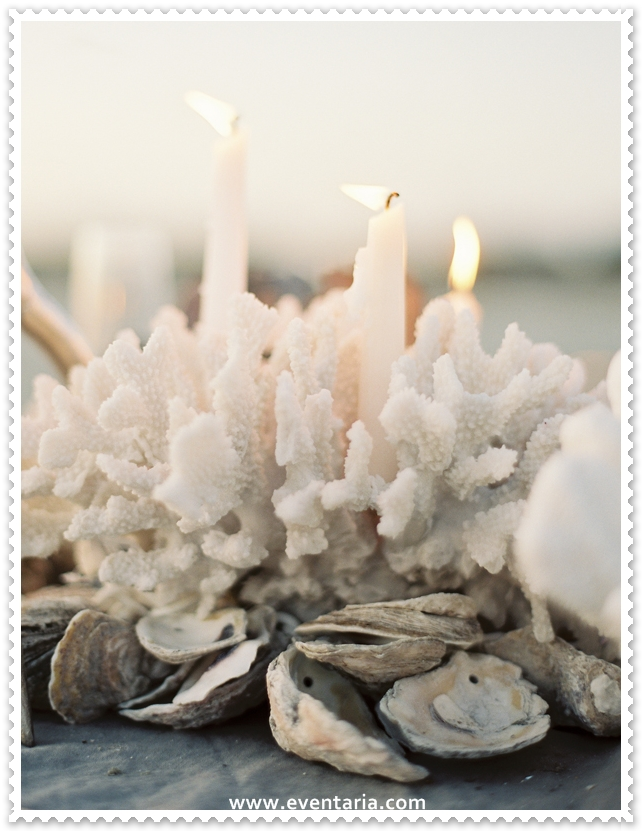 coral-candle-centerpiece-beach-wedding