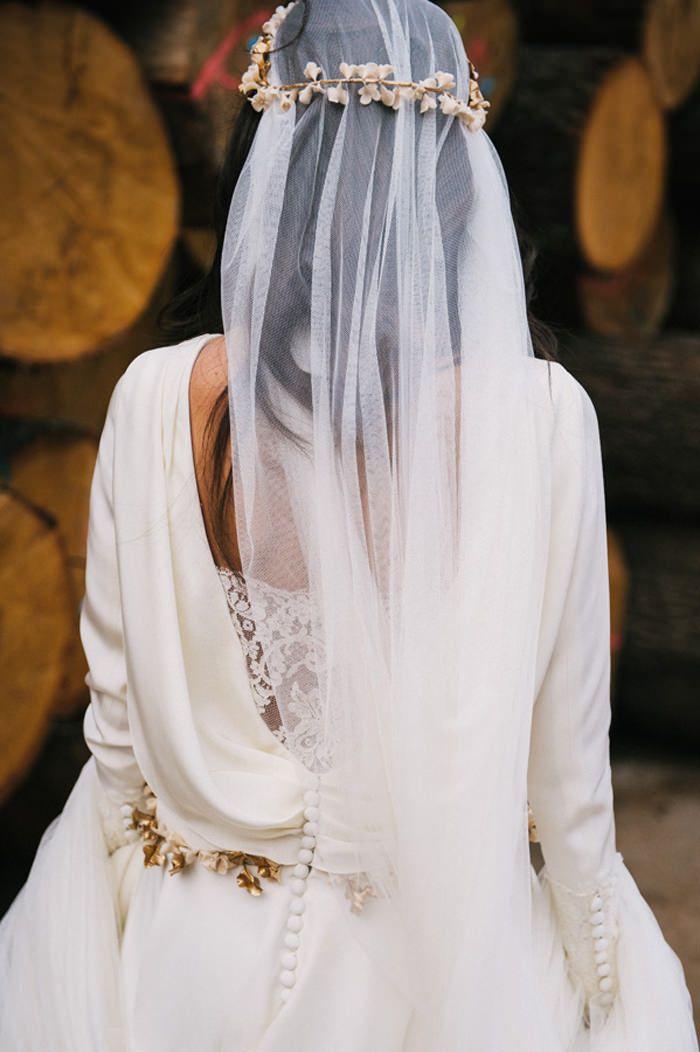 El Aeonort – tocados hechos de porcelana para novias e invitadas