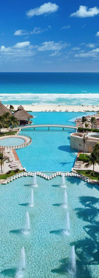 The Westin Lagunamar Ocean Resort in Cancun, Mexico. So much blue it's insane!