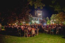 Cena en jardín