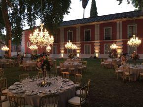 lamparas-cristal-en-jardin