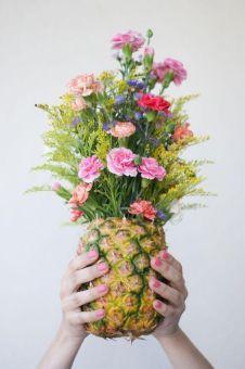 pina-con-flores
